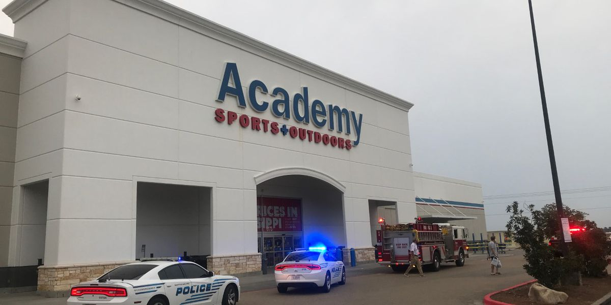 One injured in accidental shooting outside Hattiesburg sporting goods store