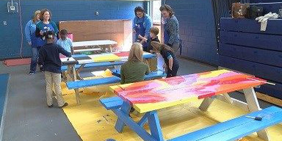 Laurel JA helping kids turn table tops into functional art