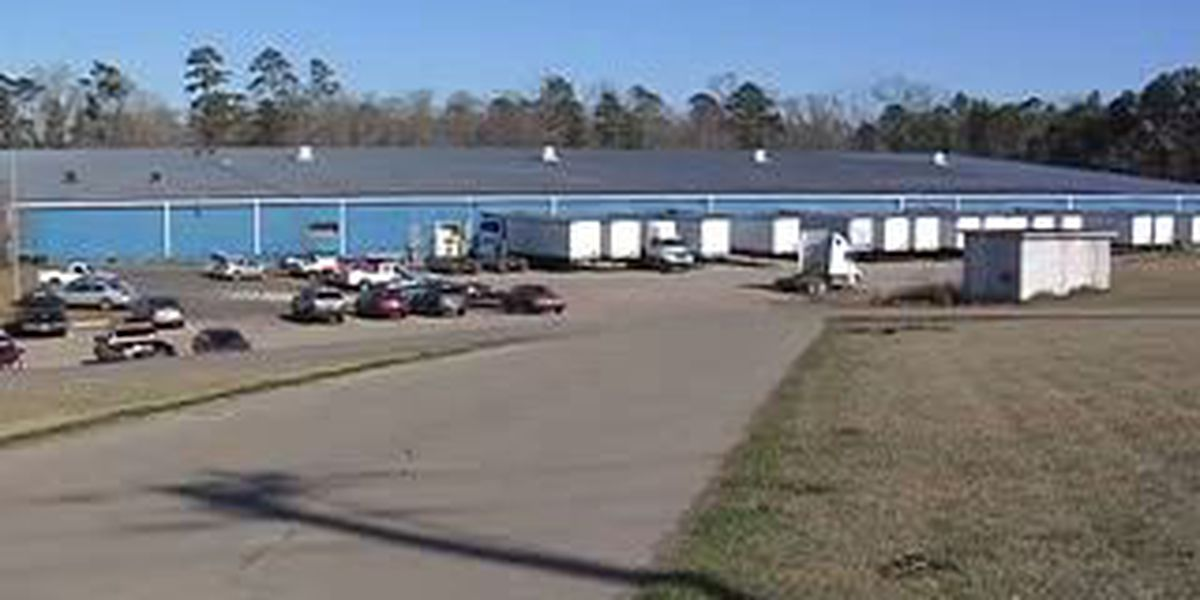 Hattiesburg Dirt Cheap Distribution Center to expand job force