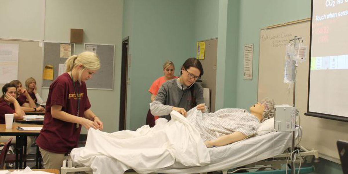 Simulation lab gives PRCC nursing students extra experience