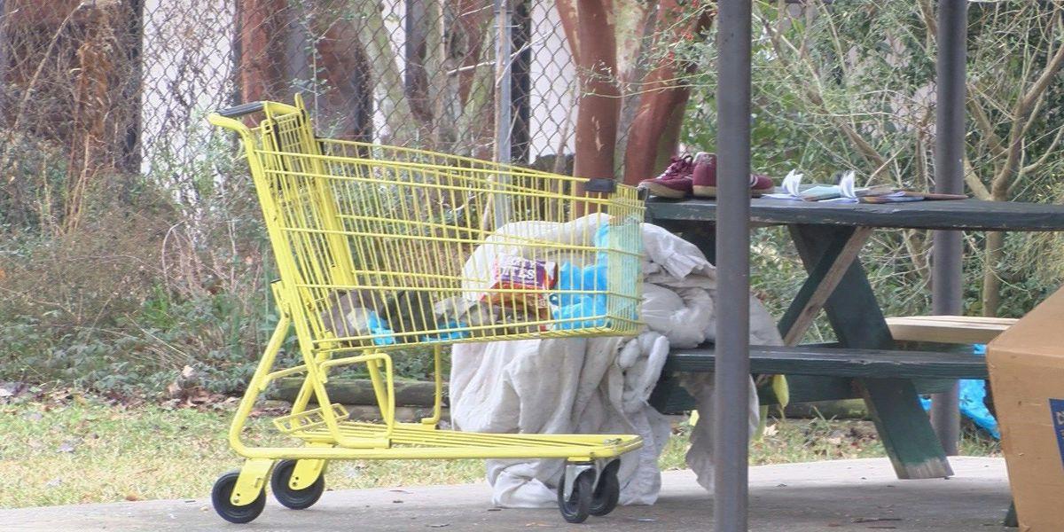 Women in Laurel help the homeless
