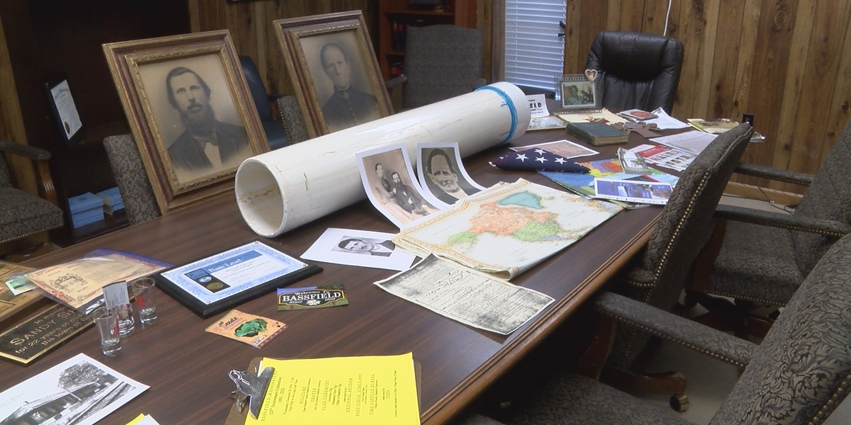 Great-grandson of Bassfield founder accepting artifacts for time capsule
