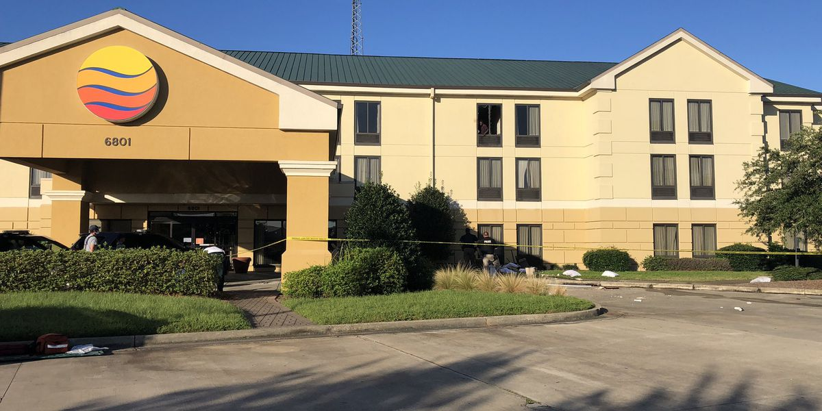 Standoff at Moss Point hotel ends peacefully after man barricades himself in room