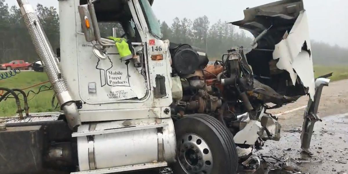 18-wheelers collide, set off chain reaction of crashes on Hwy. 84