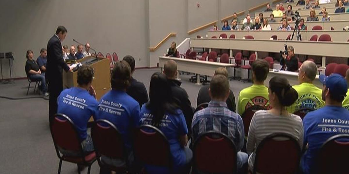 Jones Co. Fire Council hosts firefighter graduation