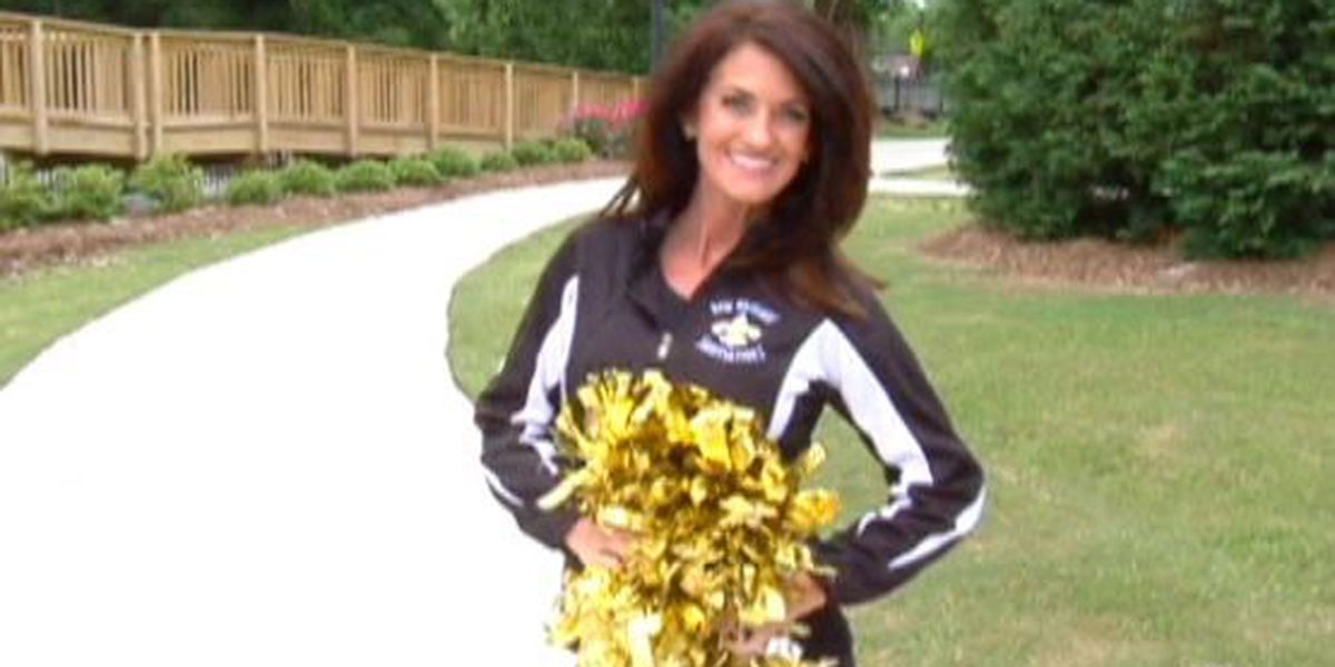 She does it again: 41-year-old mom makes Saintsations