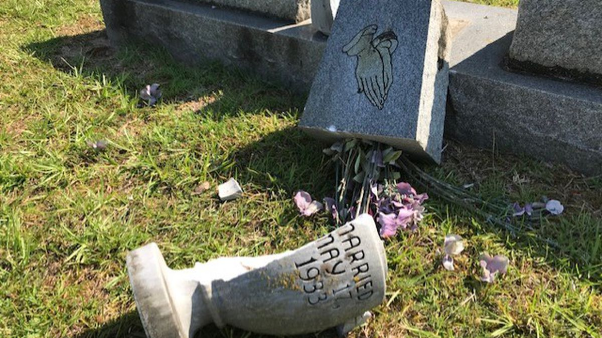 Vandals strike Miss. cemetery; police looking for culprits