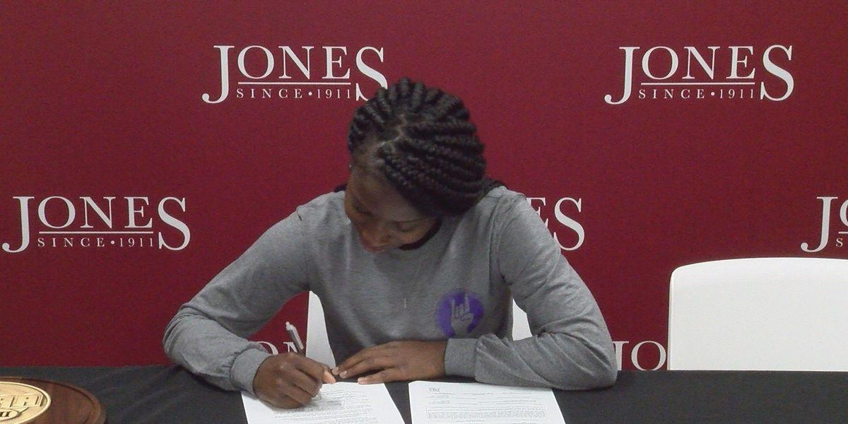 JCJC guard Kira Bonner signs with Northwestern State
