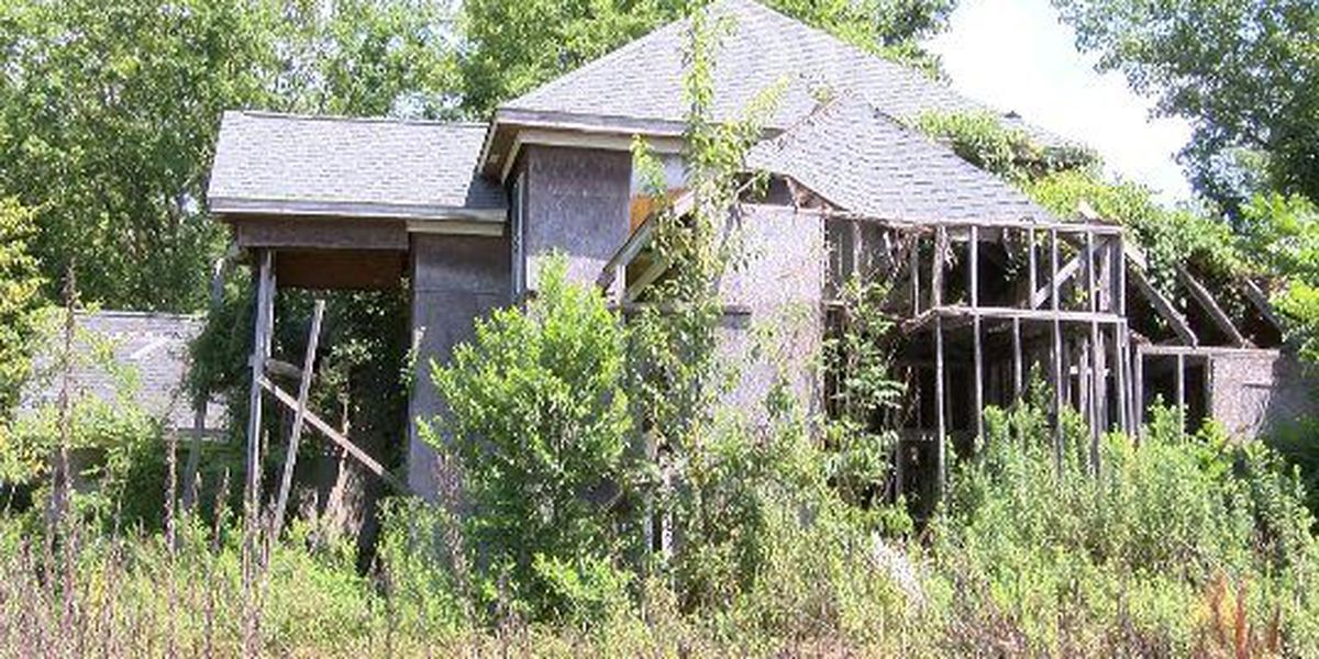 42 dilapidated properties an issue in Hub City