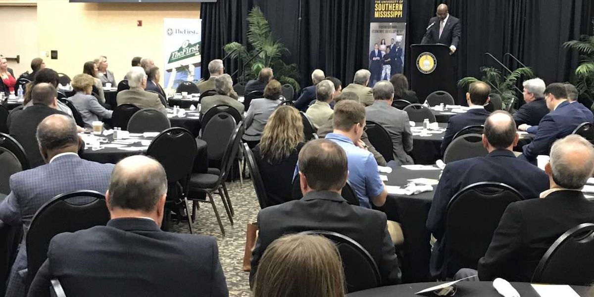 USM hosts Economic Outlook Forum