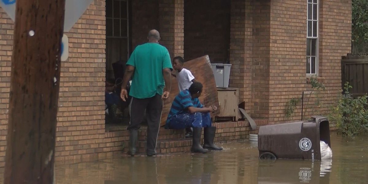 Flood water continues to rise in Hattiesburg