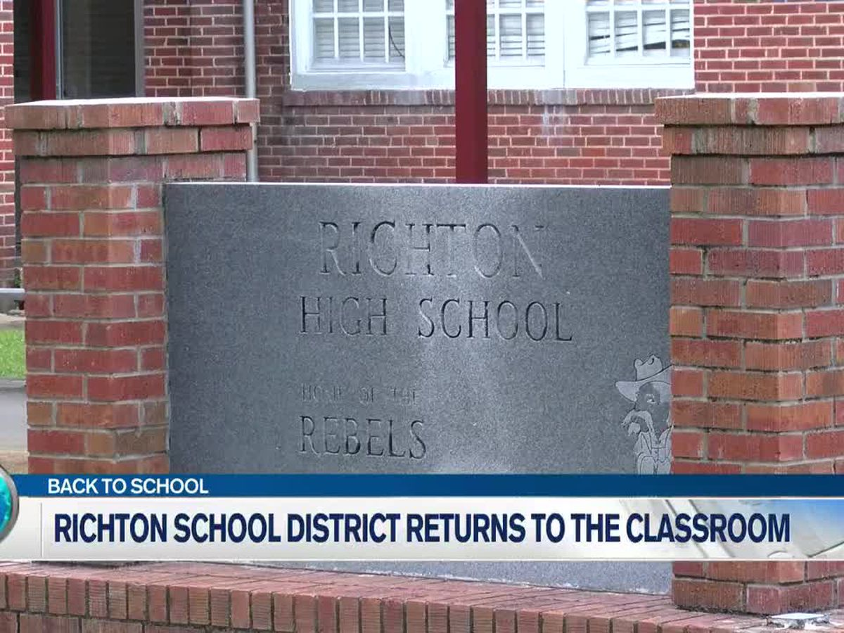 Classes back in session for Richton School District