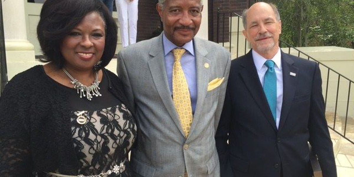 Executive director of NSBA visits Laurel