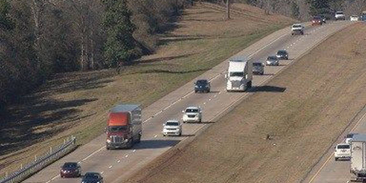 MS House bill would make it illegal to drive continuously in the left lane