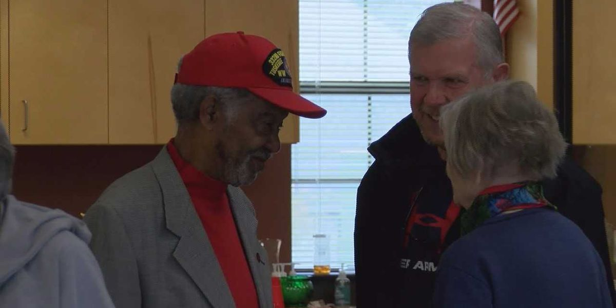 Shriners serve Thanksgiving meals to Lamar County senior citizens and veterans