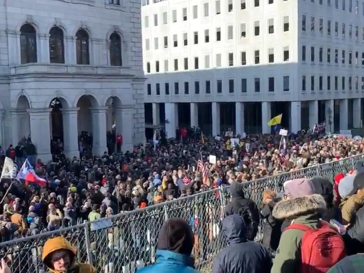 Live Updates: Capitol Police estimate 22,000 attended gun-rights rally