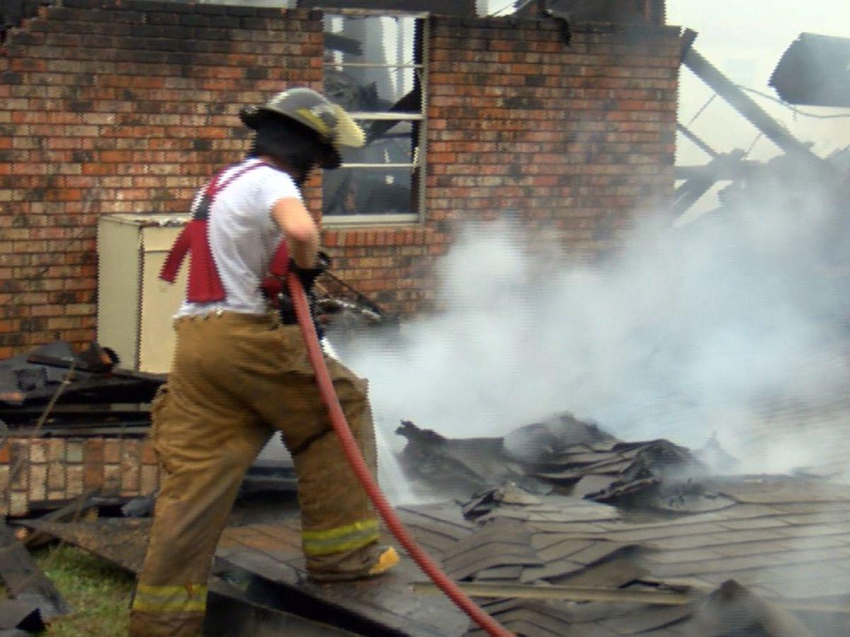 Fire destroys two apartments in Waynesboro