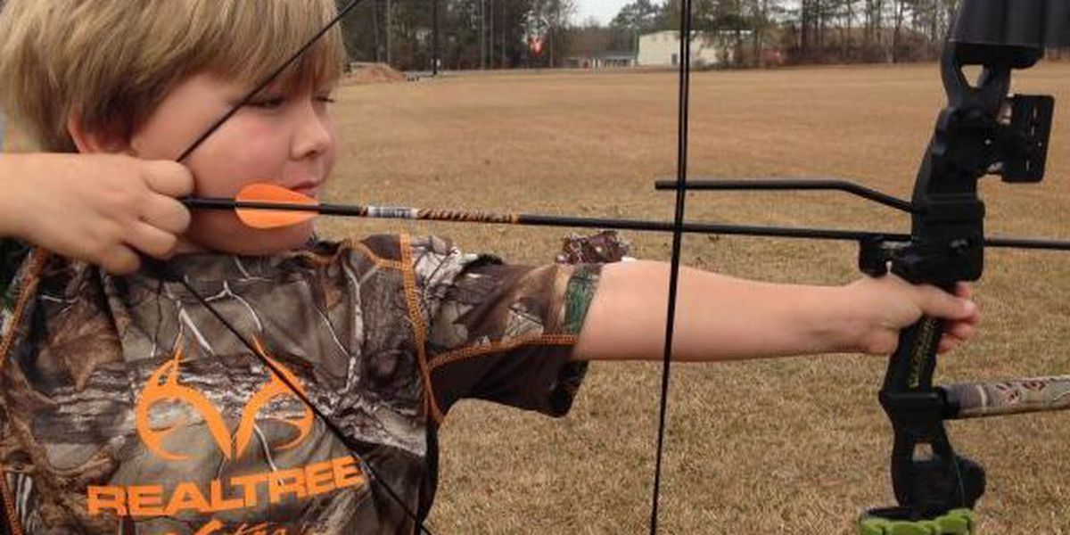 Moselle students aiming to raise money for archery team