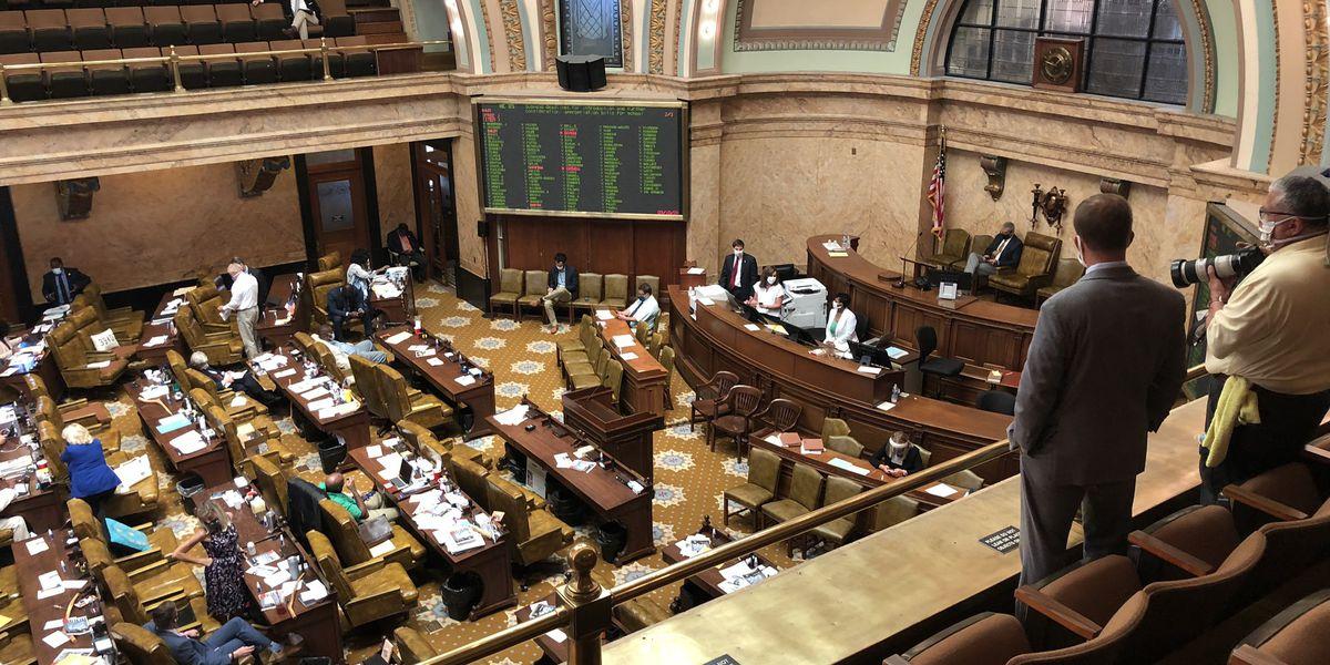 Miss. Legislature votes to override governor's veto of education budget