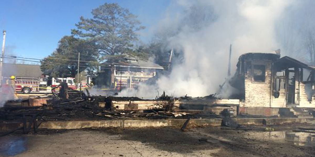 Historic Round Table restaurant destroyed in fire
