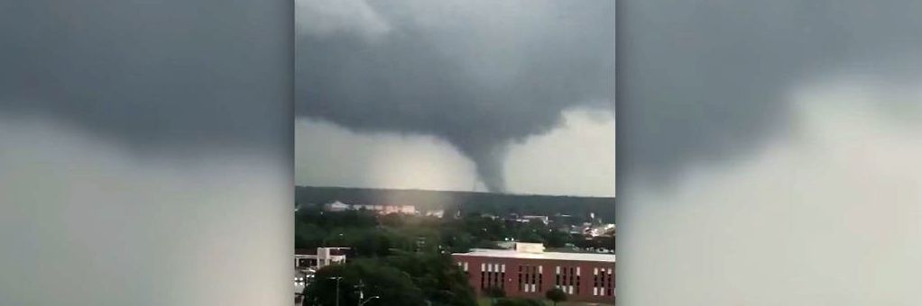Deadly southern storms kill at least 5, moving east