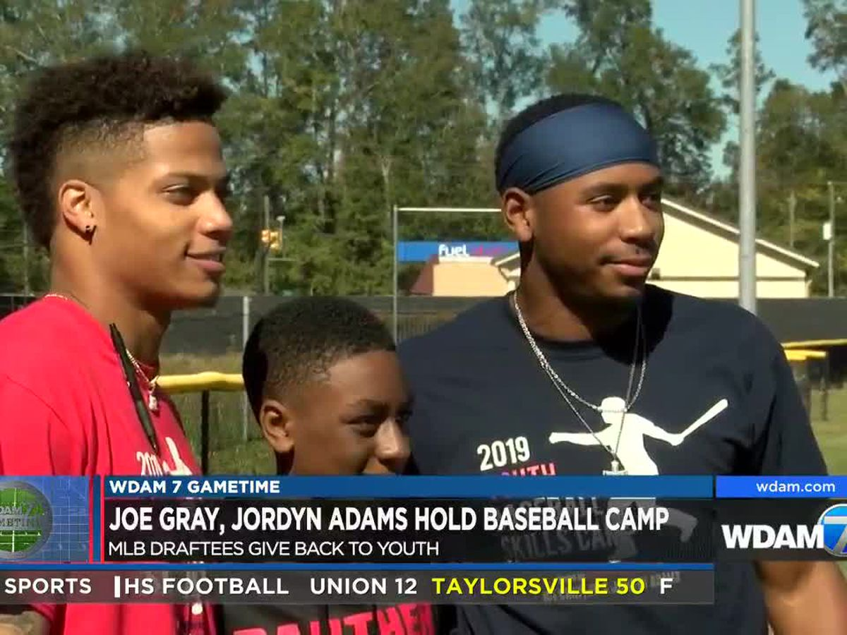Local MLB draftees hold baseball camp at HHS