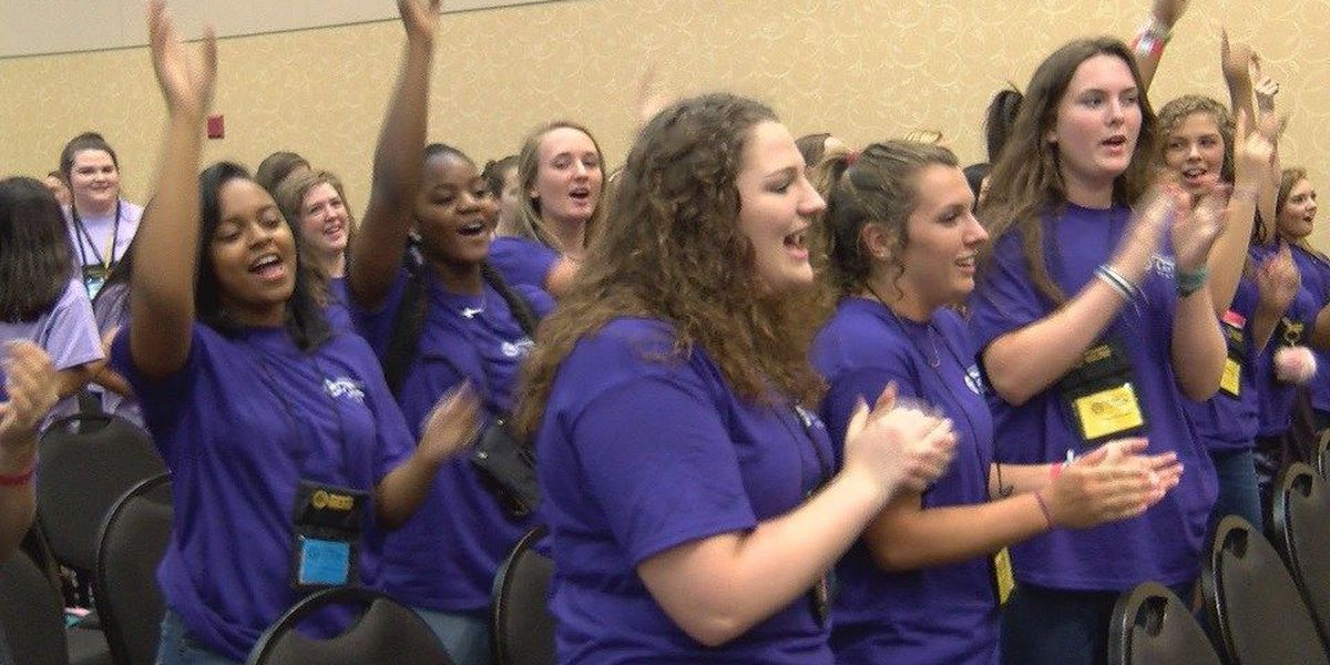 Young women learn about politics through annual Girls State program