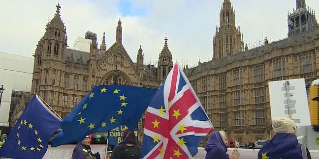 UK government faces no-confidence vote after Brexit defeat