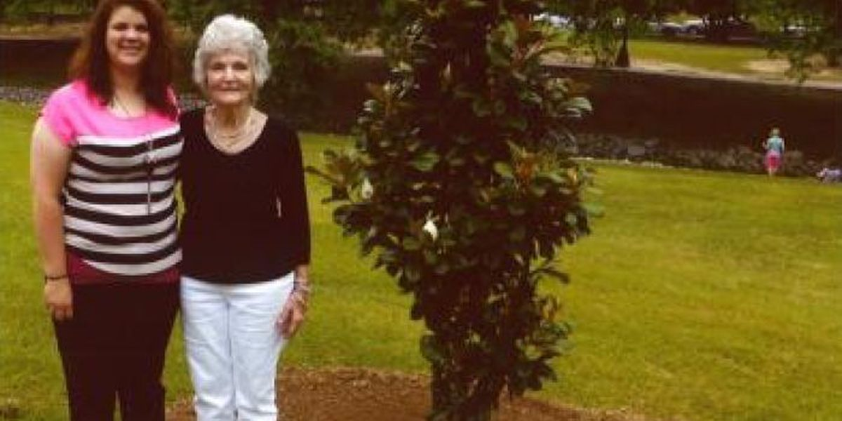 Berry family plants trees at Southern Miss to celebrate legacy