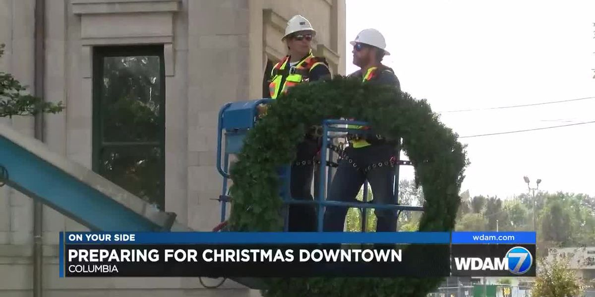 Crews begin work on major new Christmas display in downtown Columbia