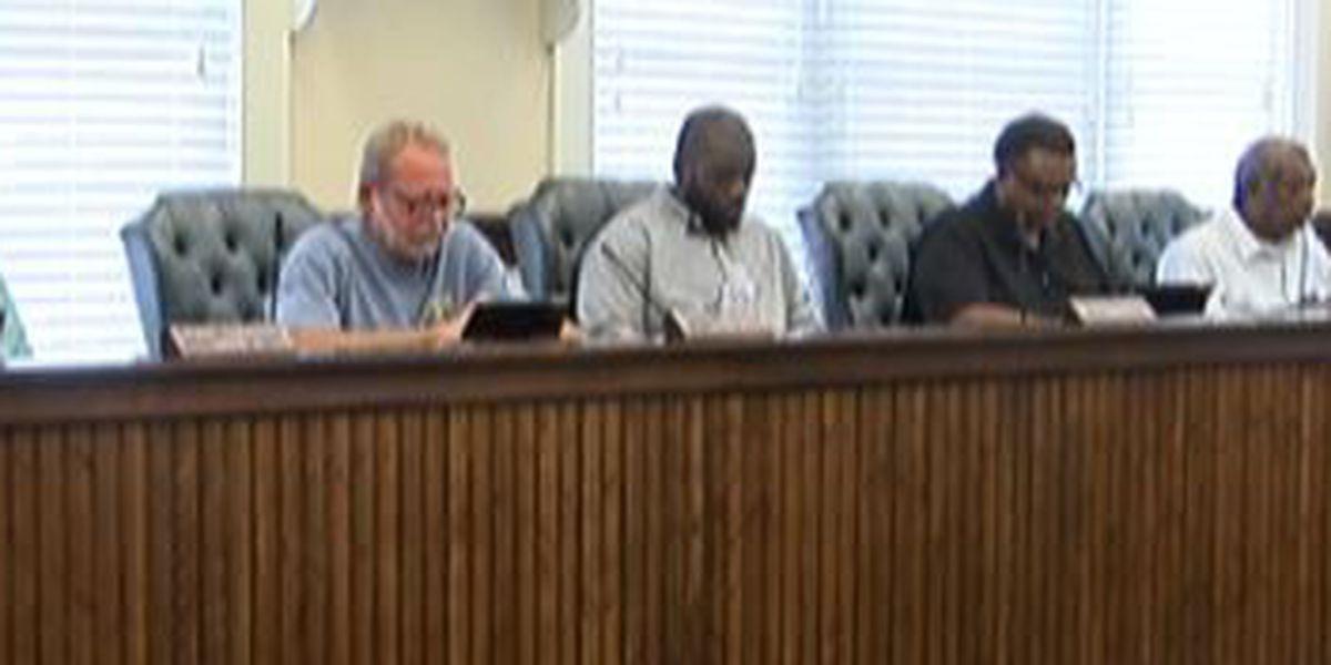 Laurel mayor pushes for employee raises