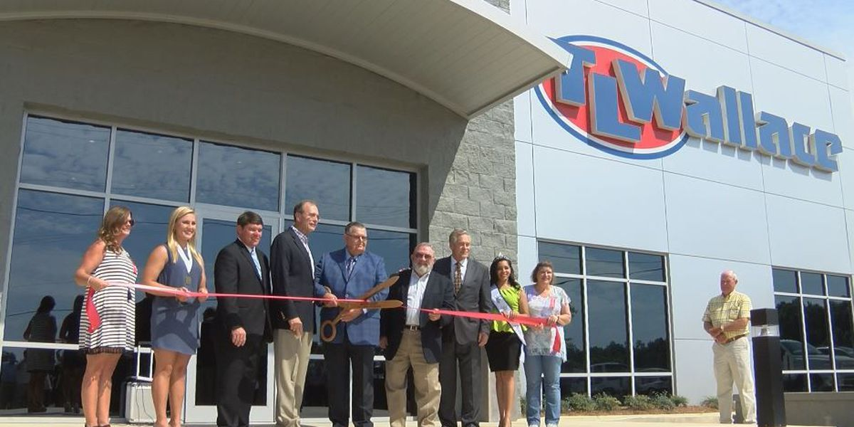 TL Wallace Construction holds grand re-opening in Marion County