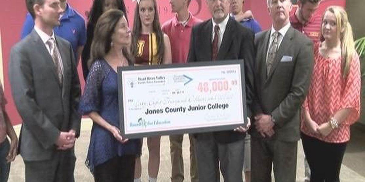 JCJC students receive PRVEPA scholarships