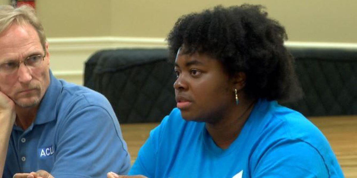 Town hall meeting held in Hattiesburg to discuss discrimination in Mississippi