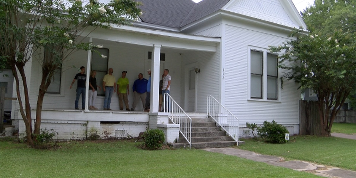 Faith-based ministry fights addiction in Hattiesburg