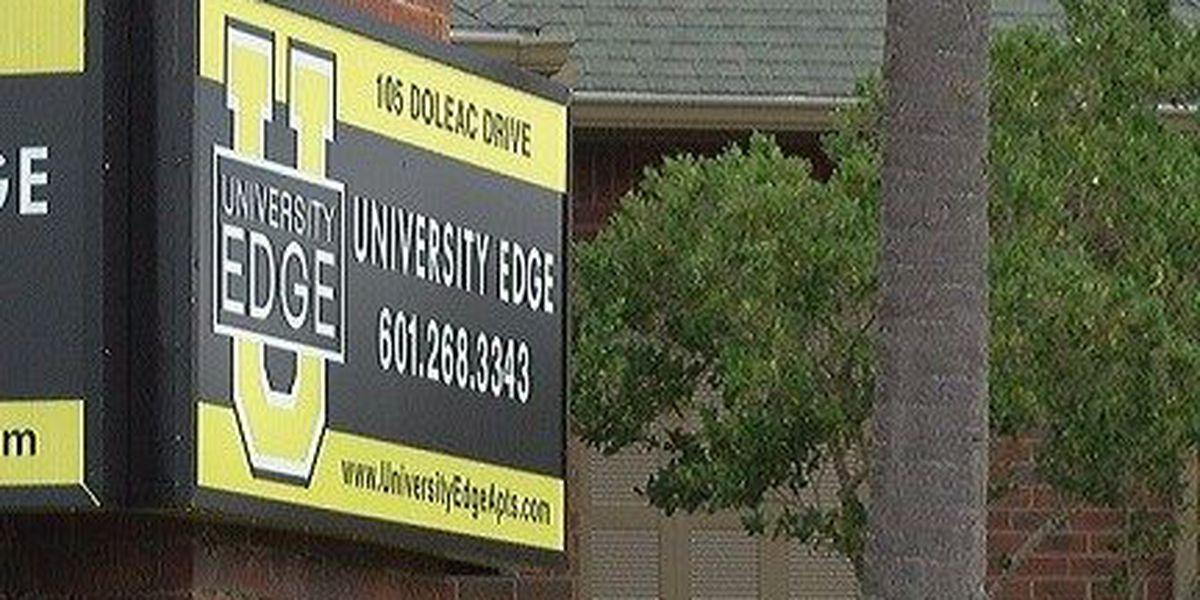 Three people injured in Hattiesburg apartment stabbings