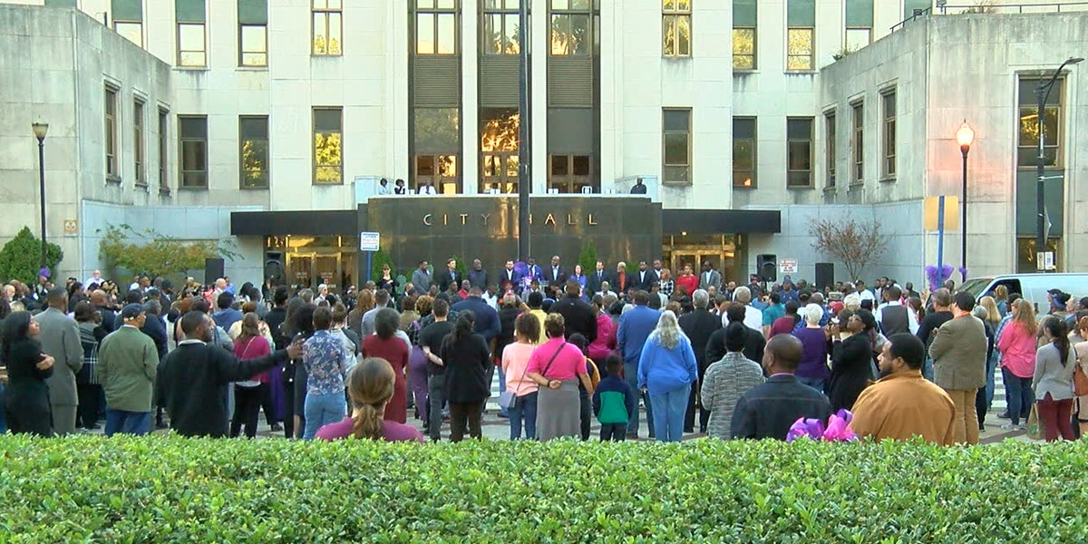 City of Birmingham holds candlelight vigil in memory of Kamille McKinney