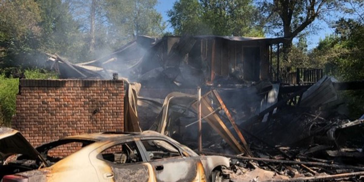 Family of 6 loses home to fire in Jones Co.
