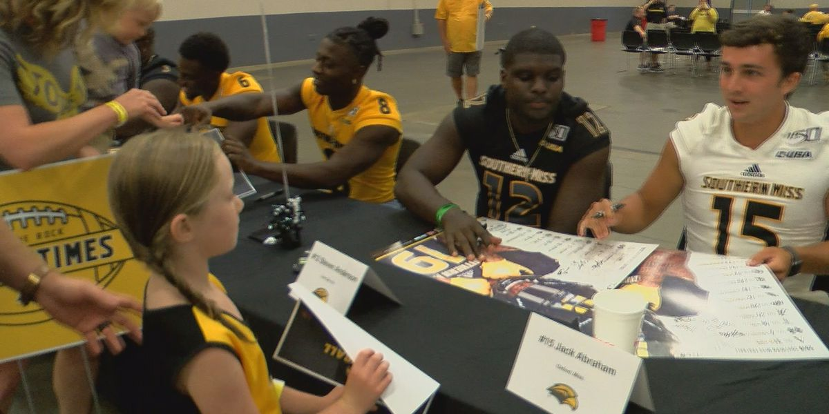 USM hosts All-Star Night at the Trademart