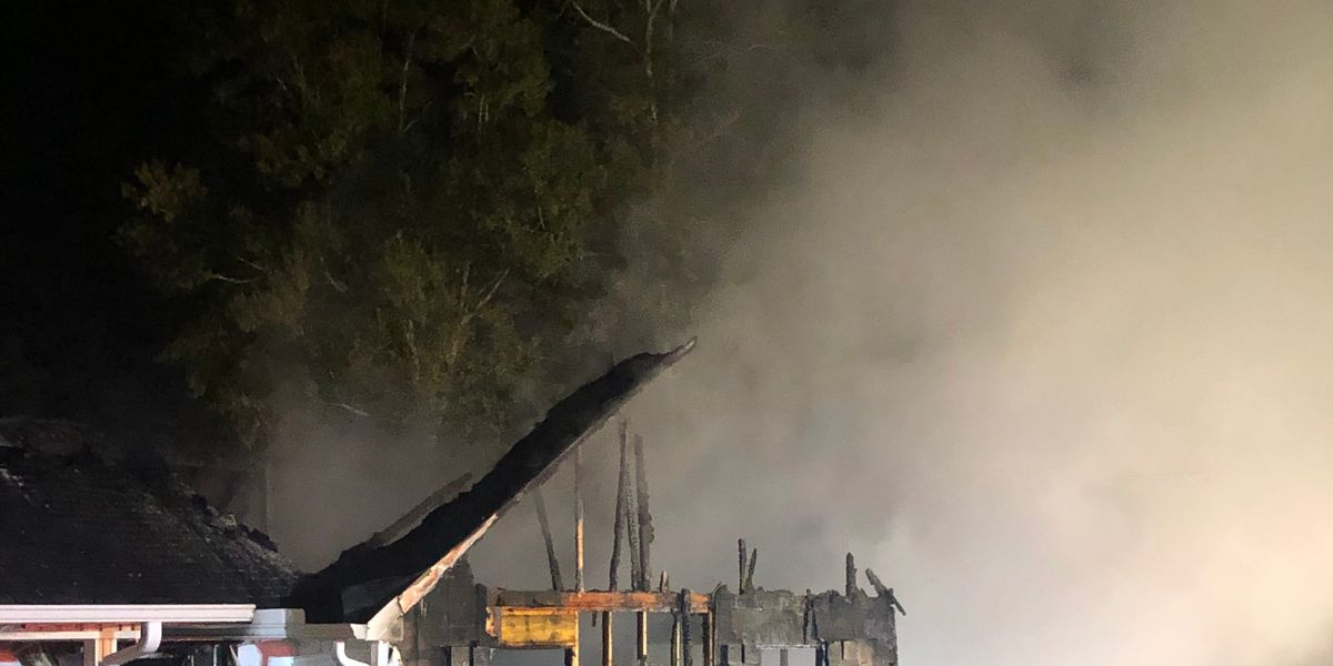 Jones County family escapes burning home