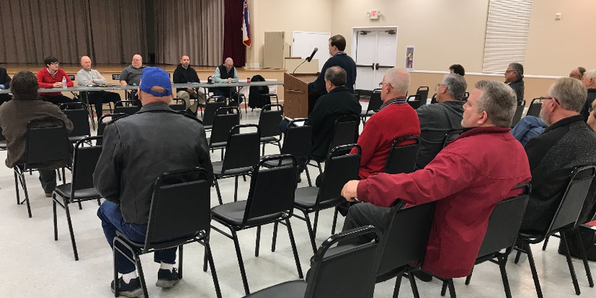 Petal holds meeting to discuss possible referendum for restaurant sales tax