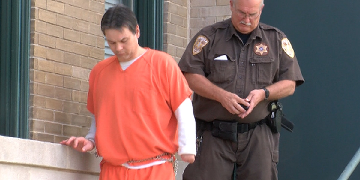 Victor Mitchell appears in Lamar Co. court