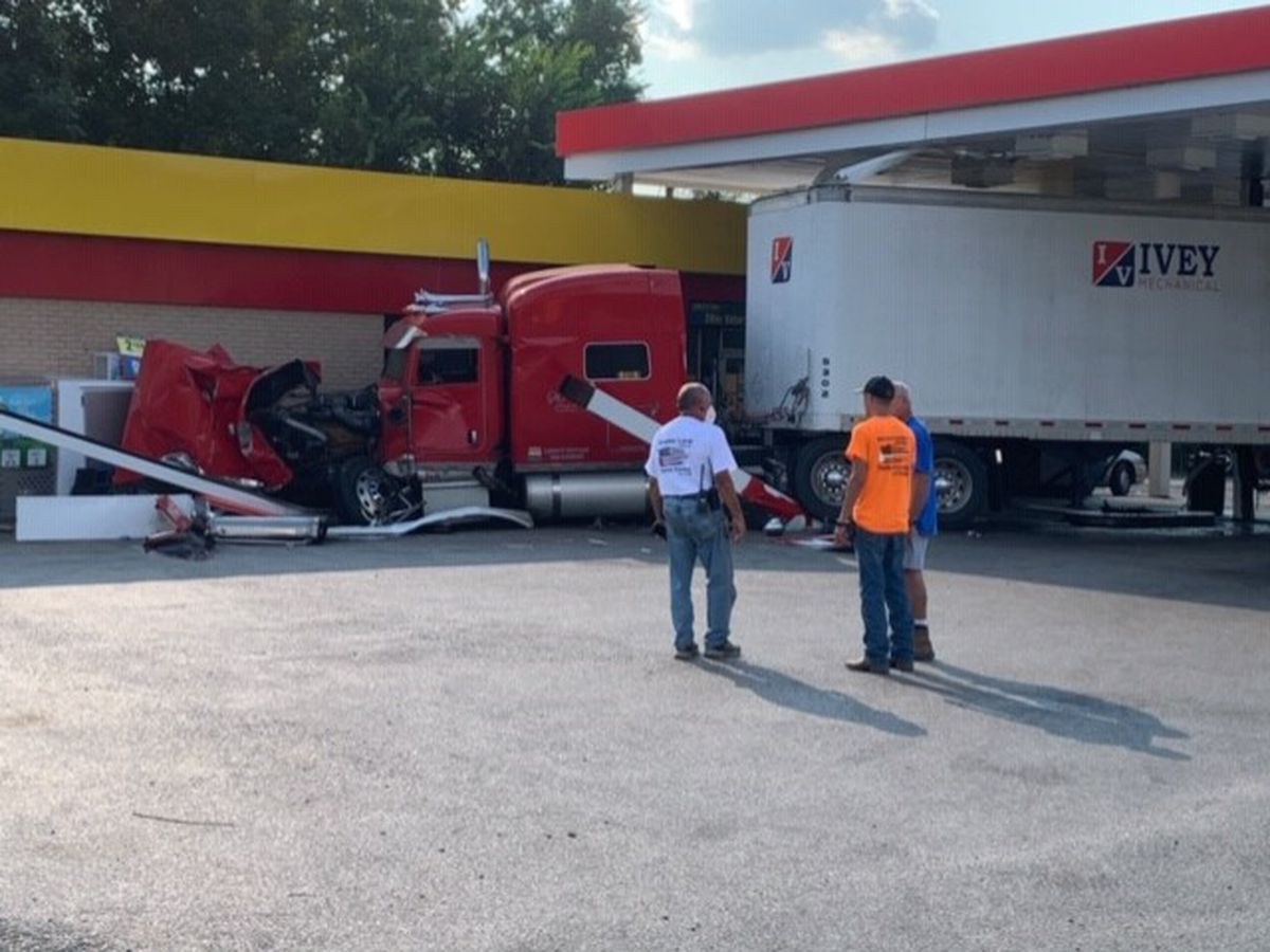 One person injured in Wayne County crash Sunday; gas station damaged