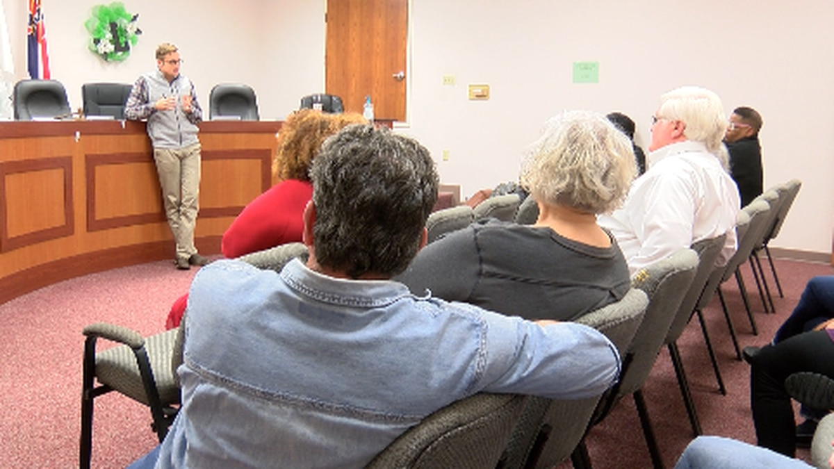 State Rep. Jansen Owen hosts town hall meeting in Lumberton