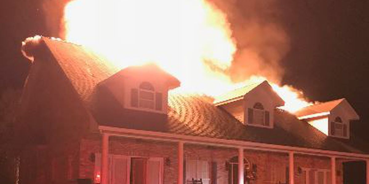 4 firefighters hurt while battling blaze in Marion Co.