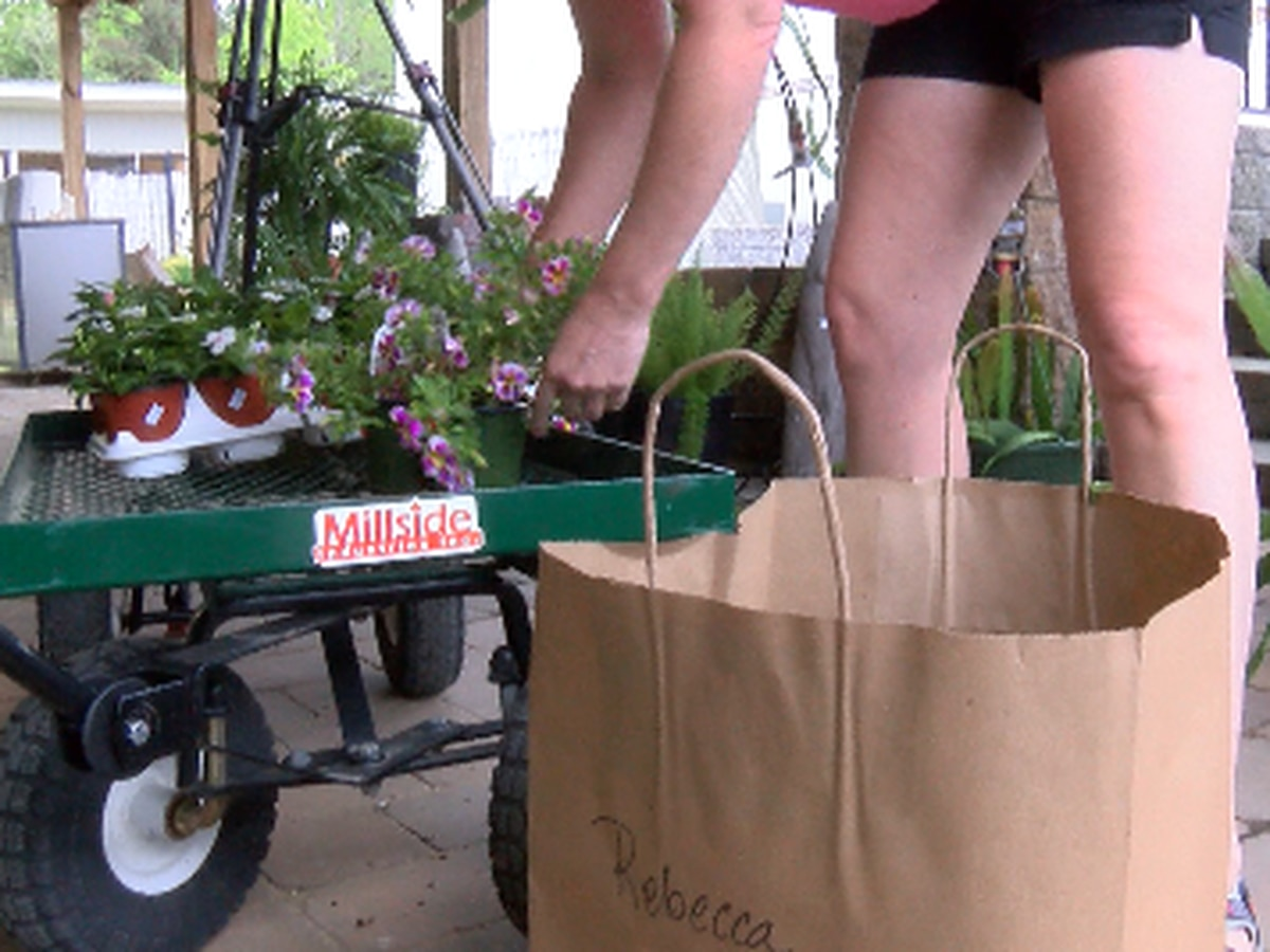 More businesses offering curbside pickup amid COVID-19 outbreak