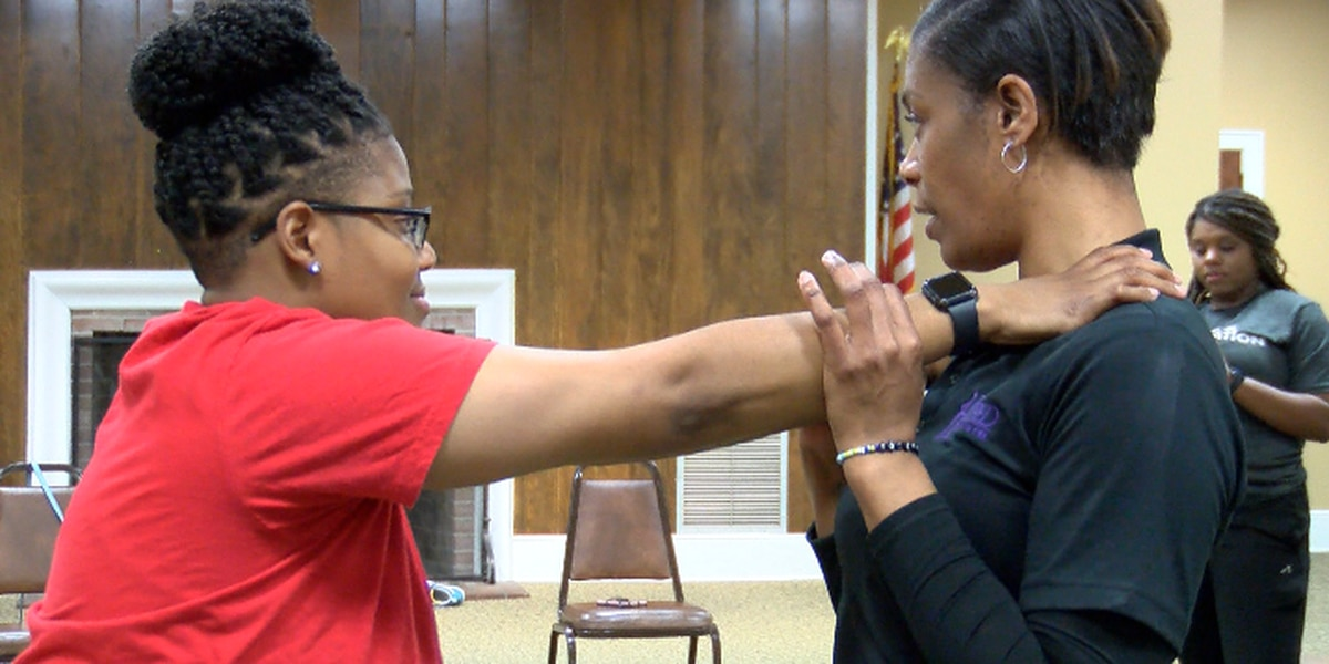 Hattiesburg Parks and Rec teaches self defense at 'adulting 101' class