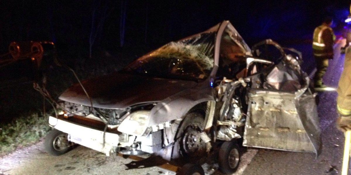 3 injured in early morning 18 wheeler accident in Hattiesburg