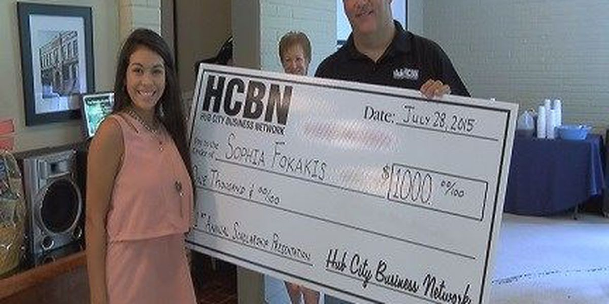 Future USM student gets $1,000 scholarship from Hattiesburg business group