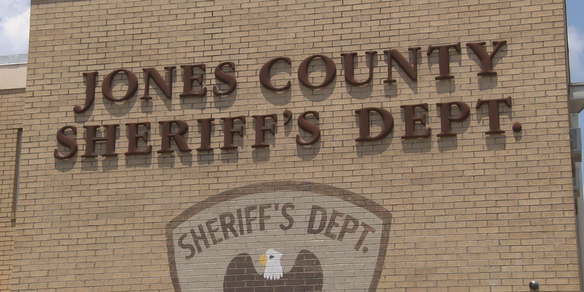 Hodge, Davis talk about runoff campaigns for Jones Co. Sheriff